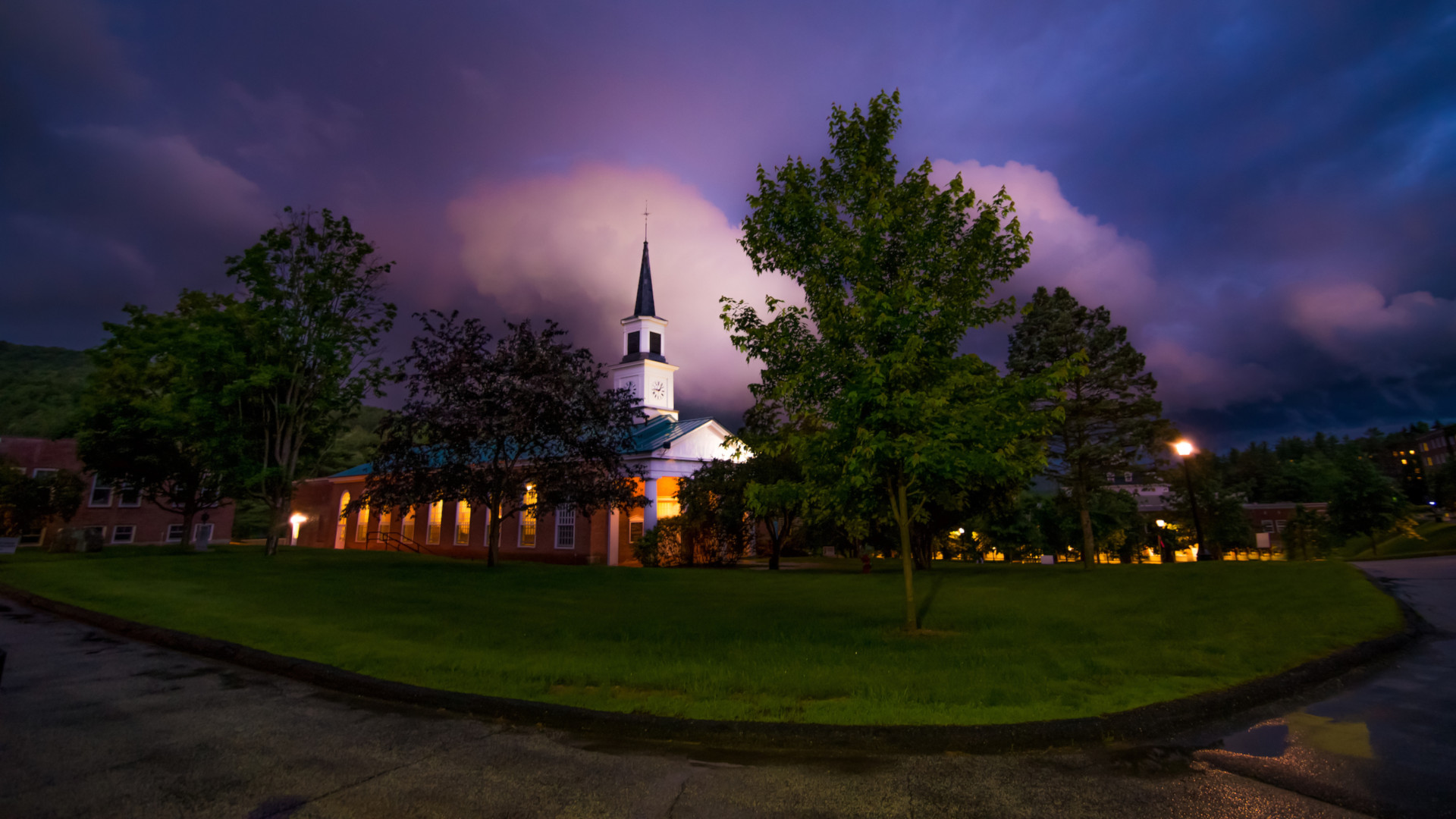 Campus Scenic White Chapel